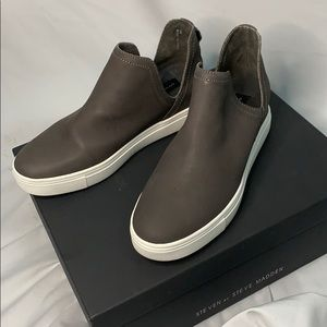 NWT Steven By Steve Madden Canares HighTop Sneaker
